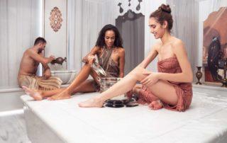 personas-en-un-baño-arabe-Full-Vitality-Spa